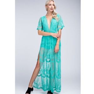 🆕Honey Punch Rae Turquoise Lace Overlay Maxi
